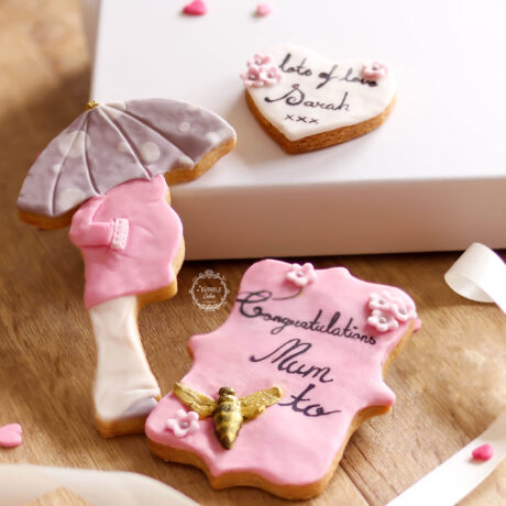 pretty-pink-Mum-to-be-decorated-cookie-gift-box