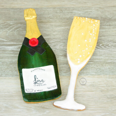 Hand-painted-Champagne-bottle-and-glass-cookie-by-Estrele-Cakes