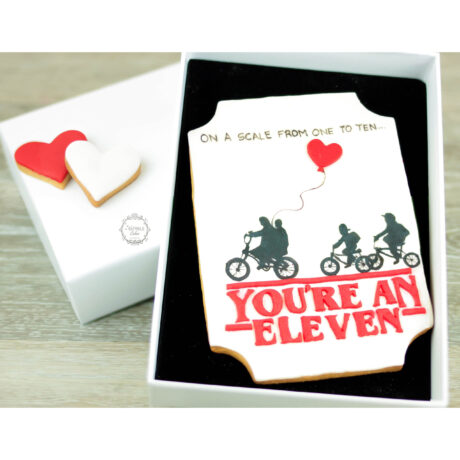 Stranger-Things-theme-Valentines-biscuit-gift-box-by-Estrele-Cakes
