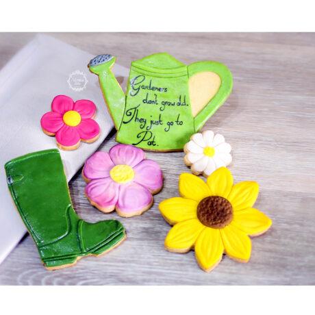 Fun-Gardeners-biscuit-gift-box,-gardening-cookies